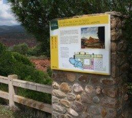 Panel informativo para rutas turísticas